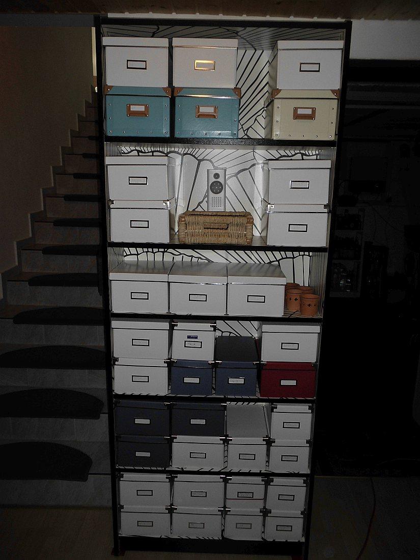 umschl ge aufbewahren boxen und kisten zum stapeln. Black Bedroom Furniture Sets. Home Design Ideas